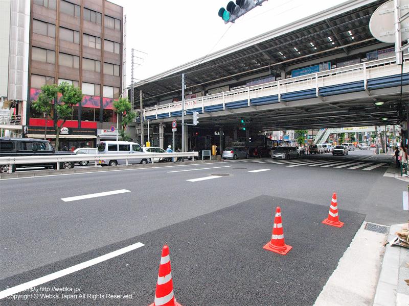 中目黒駅の駅前と都道317号環状六号線(山手通り) - photo5