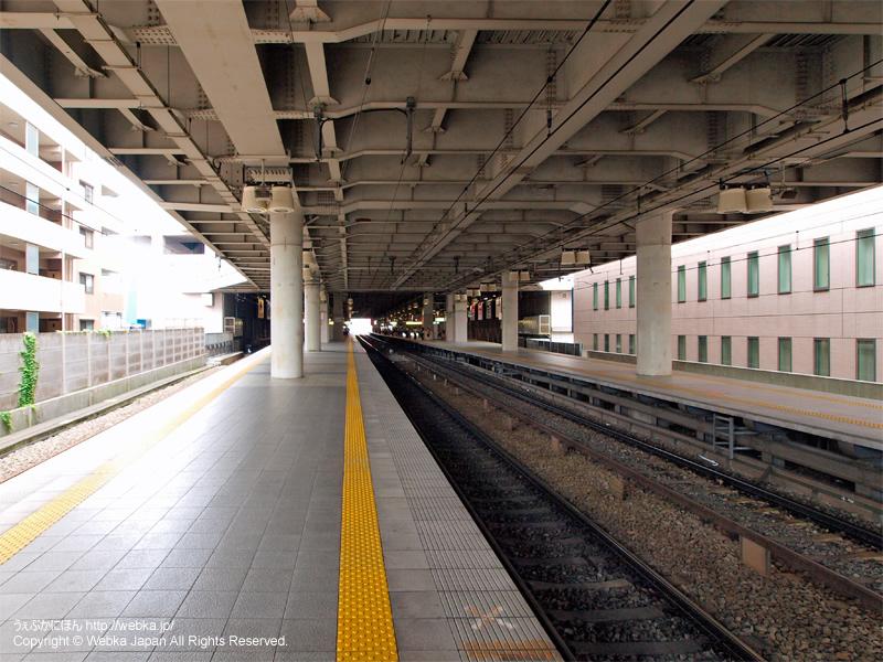 上大岡駅のホーム - photo5