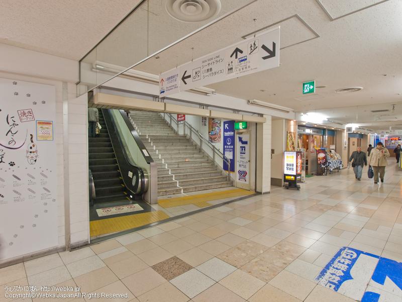 シーサイドライン新杉田駅への通路 - photo7