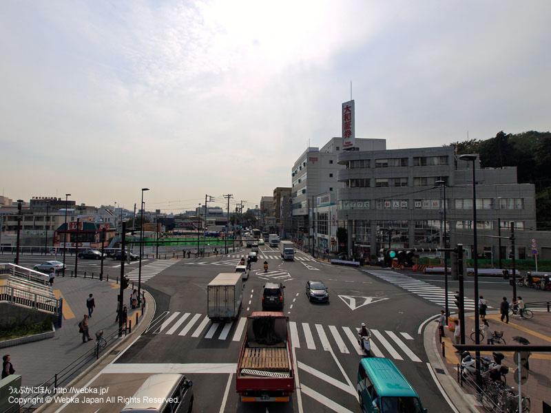 戸塚駅西口の戸塚バスセンター前交差点 - photo16