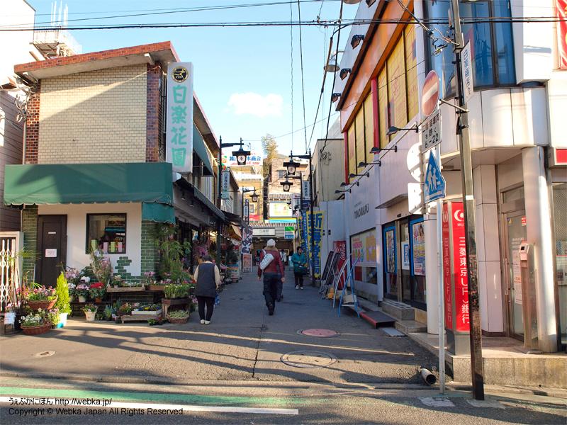 白楽駅西口へ向かう路地 - photo11