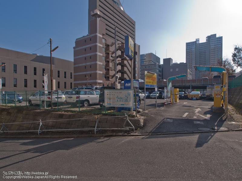 タイムズ東戸塚駅前