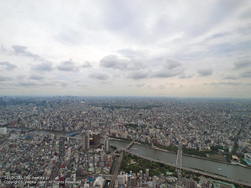 東京スカイツリー展望デッキフロア350から見た隅田川・上野方面