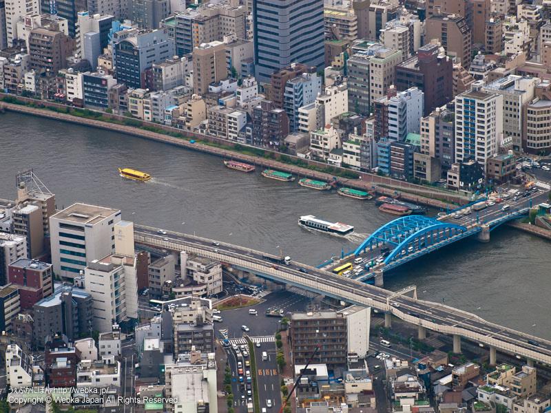 東京スカイツリー展望回廊から見た隅田川と駒形橋(浅草通り)