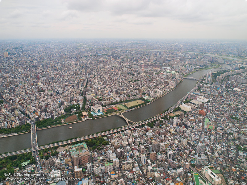 東京スカイツリー展望回廊から見た隅田川